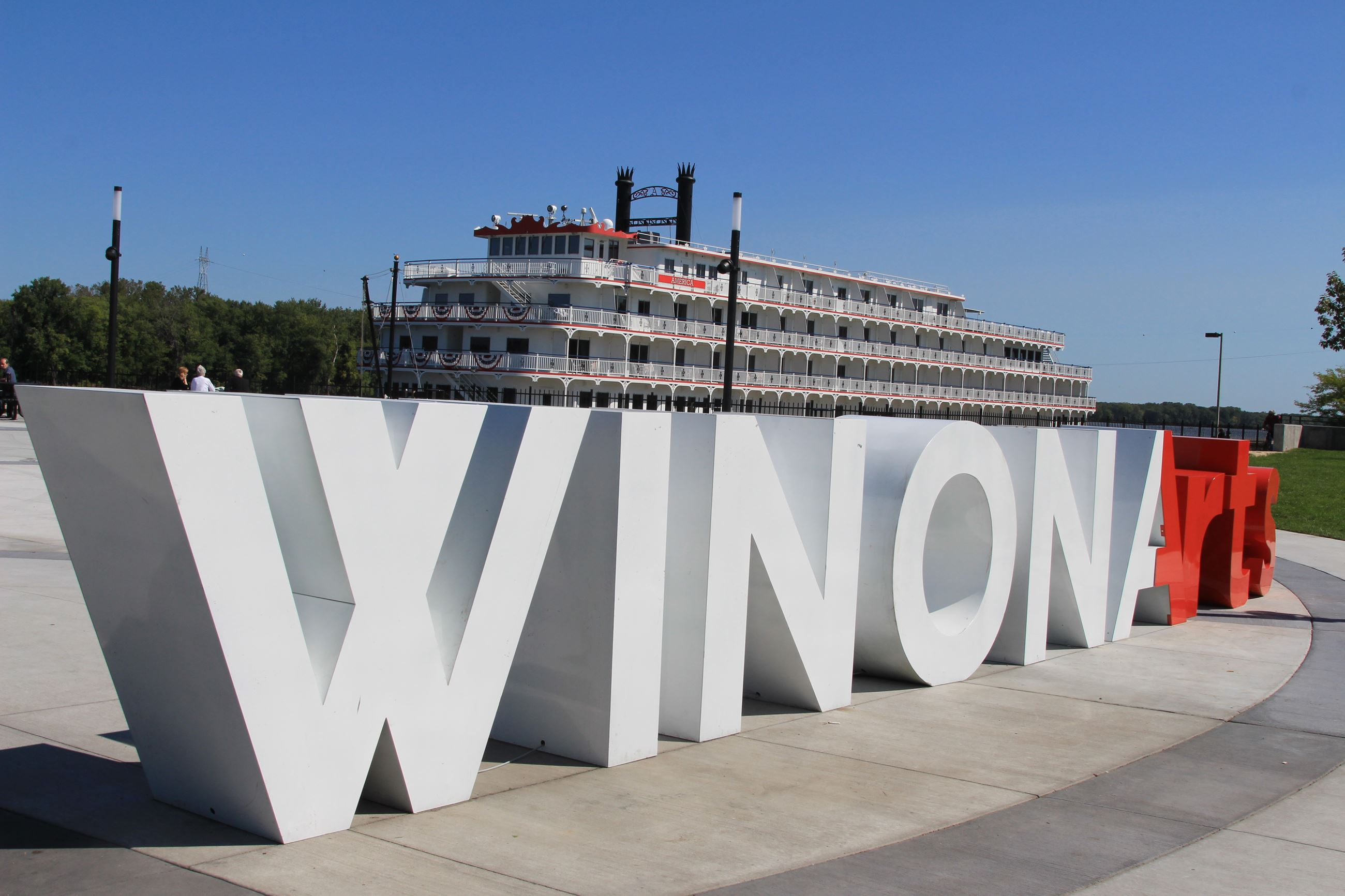 Winonarts Sign with Steamboat Picture